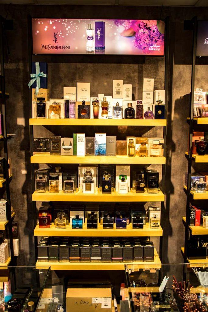 فروشگاه لوازم آرایشی و بهداشتی سرخاب شاپ